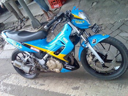 gambar modifikasi satria FU full racing