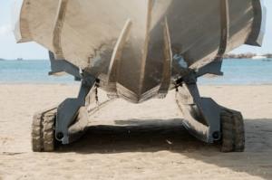 http://absoluterevo.files.wordpress.com/2011/12/iguana_29amphibious-10_seat-tender-vessel-14.jpg?w=300