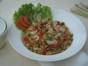http://absoluterevo.files.wordpress.com/2012/05/nasgor.jpg?w=300