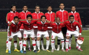 http://absoluterevo.files.wordpress.com/2012/05/timnas-indonesia-aff-2010.jpg?w=300