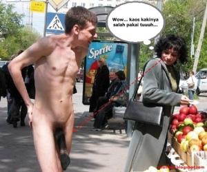 Pria Telanjang,Kemana-Mana, Kemaluannya Hanya Di Tutup Kaos Kaki, Gendeng...!!!