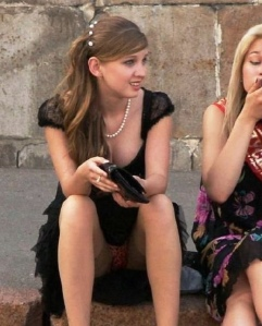 Ngintip Celana Dalam Gadis Dengan Posisi Seronok