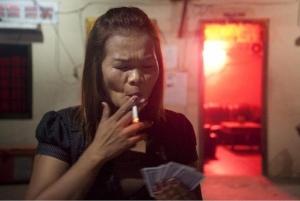 Perempuan Dalam Kehidupan Malam Di Kamboja